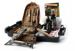 Hoppe´s M-PRO 7 Advanced Small Arms Cleaning Kit m. Leatherman MUT
